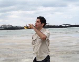 drinking-a-corona