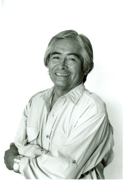 Simon J Ortiz Photo